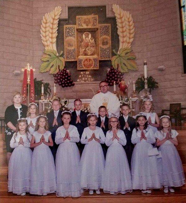 Pierwsza Komunia Święta - Polska Misja Ojców Cystersów